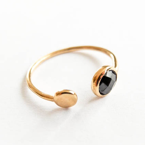 "Spinell ""Double Point"" Ring Gold"