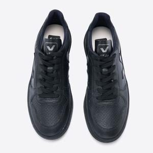 V-10 Bastille All Black