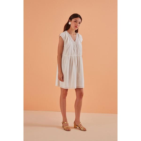 Kleid Theonie Ecru